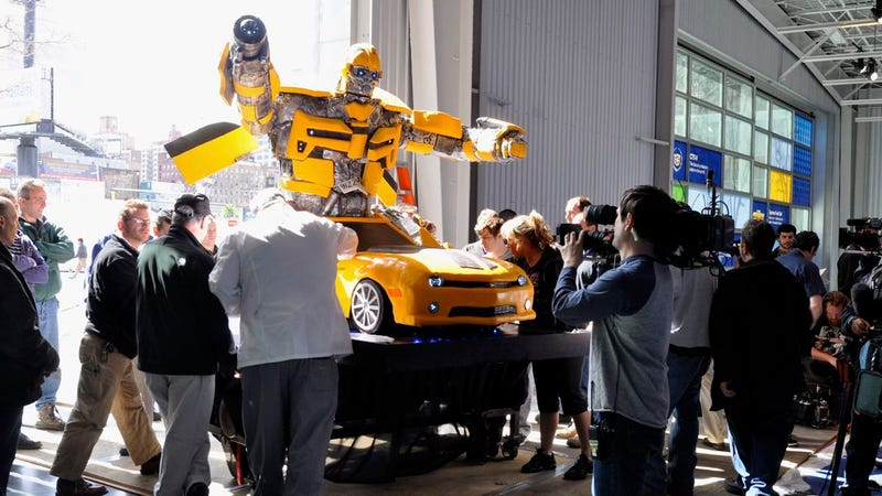 "The ""Cake Boss"" Transformers Bumblebee Camaro cake they don't want you to see"