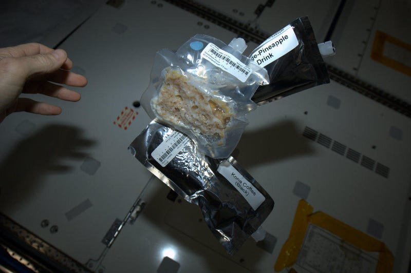 Astronaut tweets pictures of his SPACE NACHOS