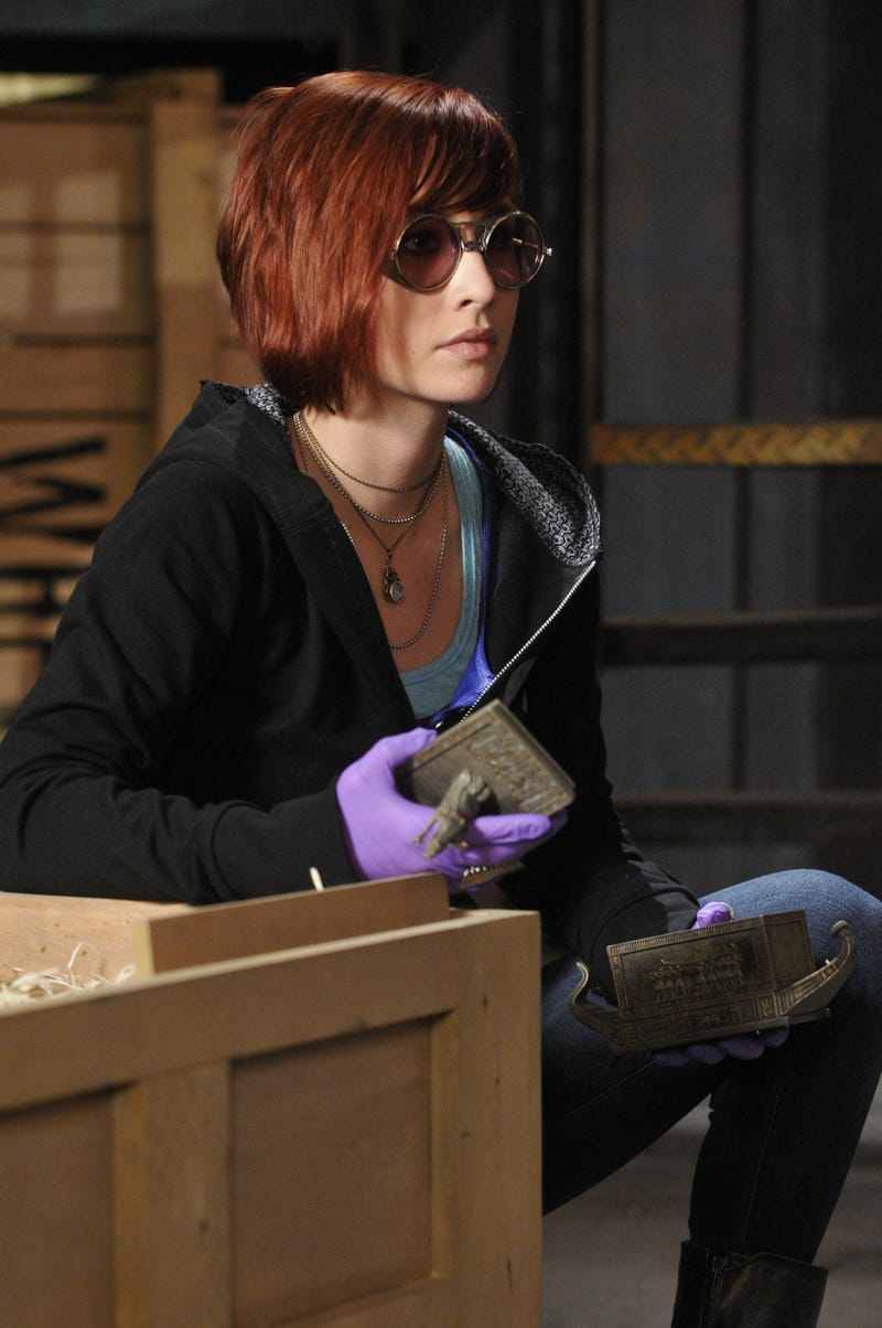 First Warehouse 13 Season 3 Images: New Eyewear, New Challenges!