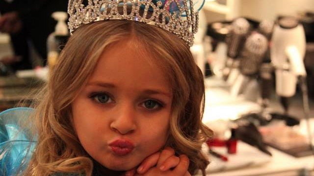"Pageant Mom Has the Audacity to Sue Blogs for ""Sexualizing"" Her Daughter"