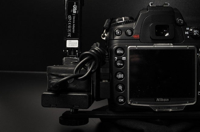 Cheap DIY Wi-Fi Tethering Dongle for Your DSLR