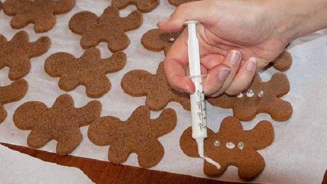 Use an Oral Syringe for Intricate Dessert Decorating