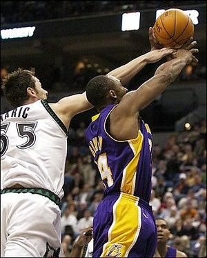 NBA Roundup: Kobe Bryant, Scapegoat?