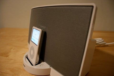 iPod Dock Bracket, Bose SoundDock vs. Logitech AudioStation