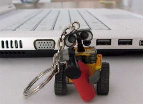 The Wall-E USB Drive Is Too Cute for Even Baby Talk to Describe