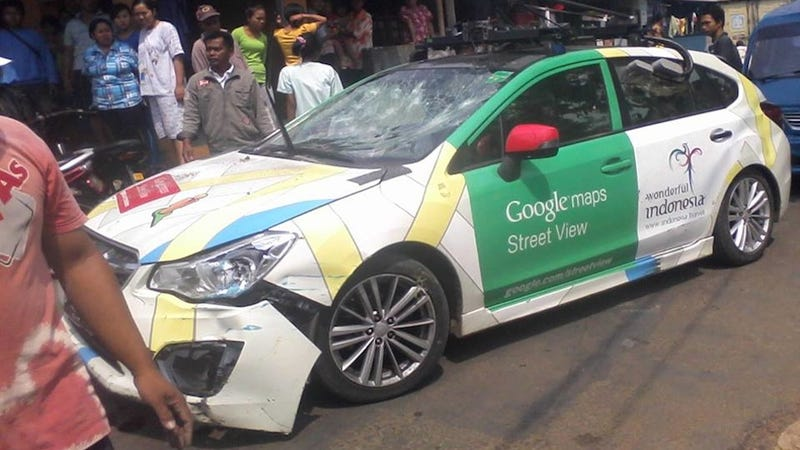 Google Street View Driver Rams 2 Buses, 1 Truck in Failed Hit-and-Run