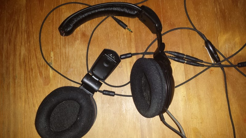 This Headset Lost its Other Half