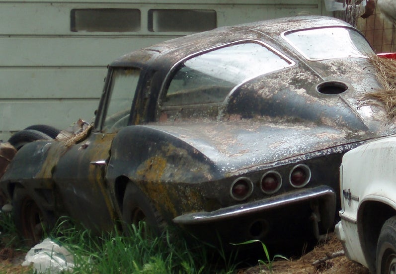 Google Streetview Spies Split-Window Corvette Rotting Away