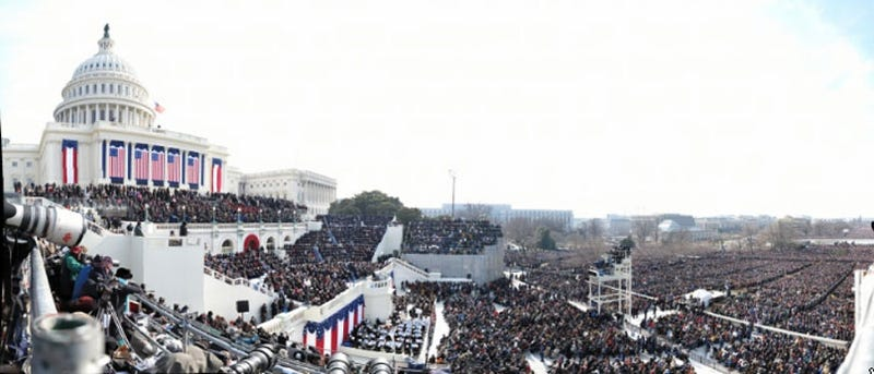 1,474 Megapixel Inauguration Panorama is a Treasure Trove of Candid Captures