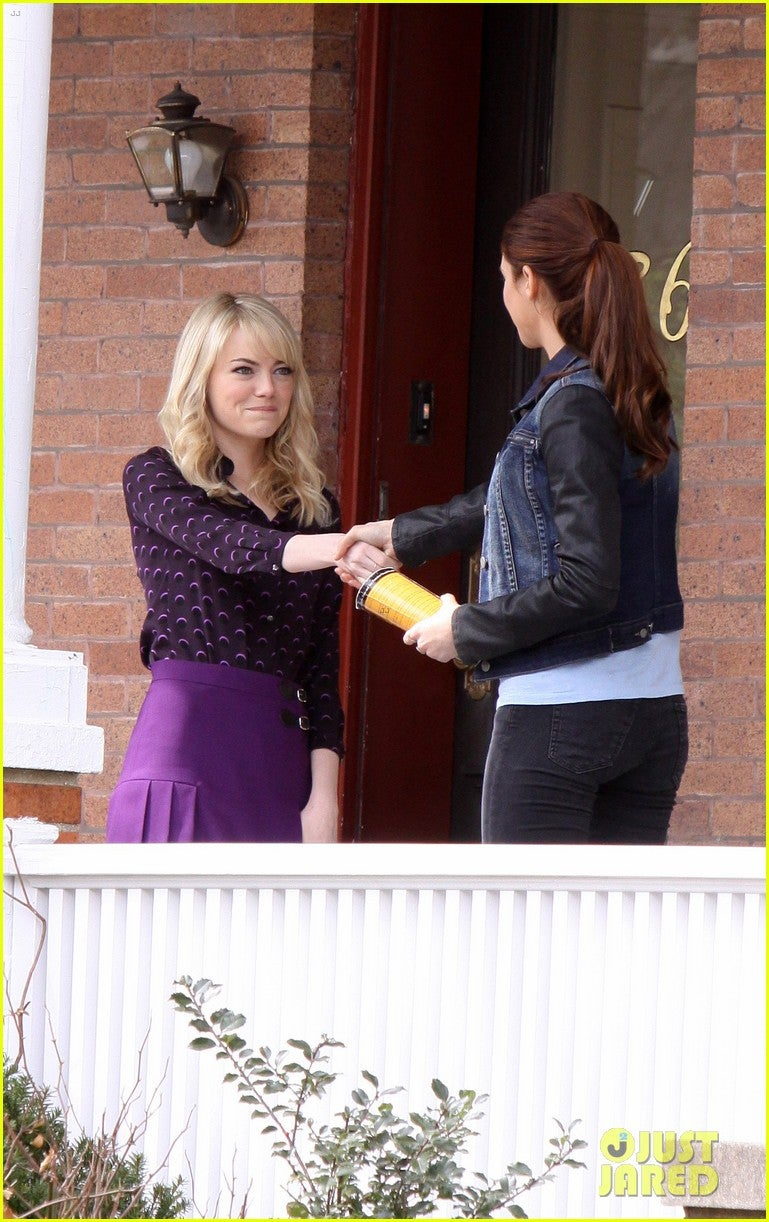 Gwen Stacy and Mary-Jane Watson meet in new Amazing Spider-Man 2 set photos!