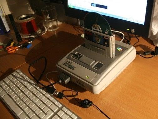 Amazing SNES Case Mod Repurposes Super Mario World Cartridge as DVD Drive