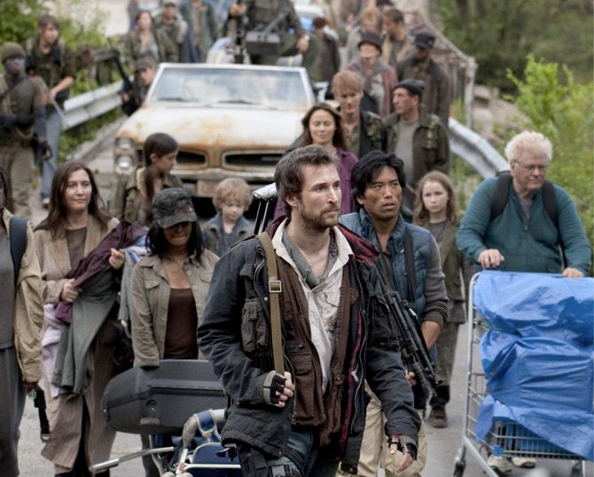 23 new images from Steven Spielberg's alien drama Falling Skies