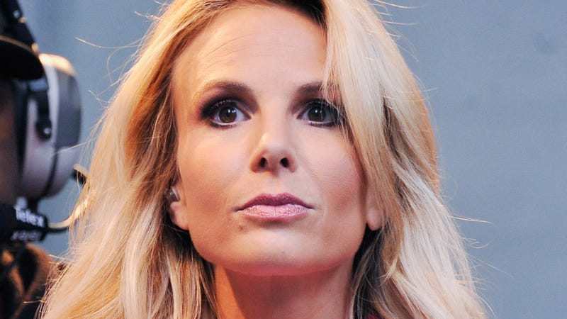Elisabeth Hasselbeck Is PISSED About Rosie Possibly Rejoining The View
