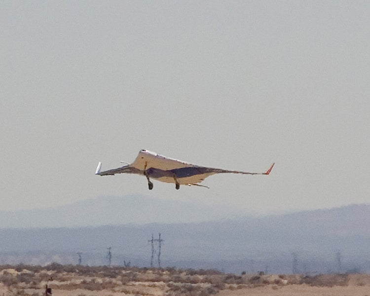 X-48B Video Shows World's Biggest RC Model Plane in Action