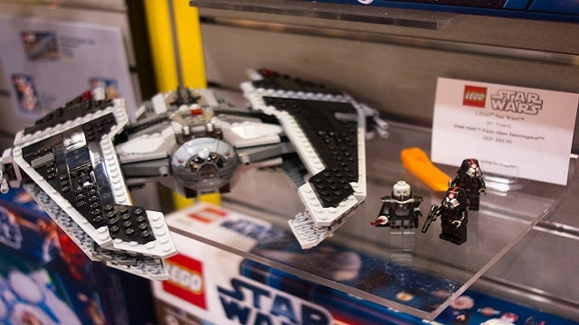 Star Wars: The Old Republic Has Invaded Lego Land