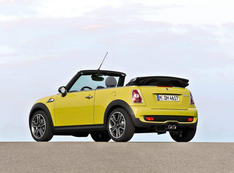 2009 New MINI Cooper Convertible Takes Top Off At Detroit Auto Show