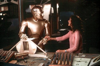 10 Robots or Androids Who Married a Human