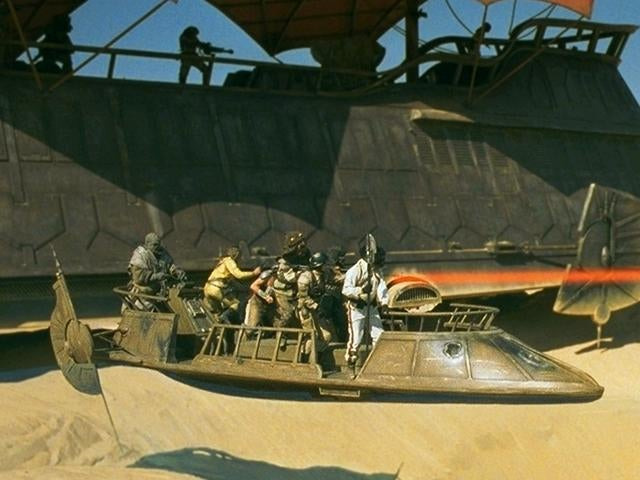 Some Unconventional Uses For The Awesome Vehicle In Borderlands 2's New DLC