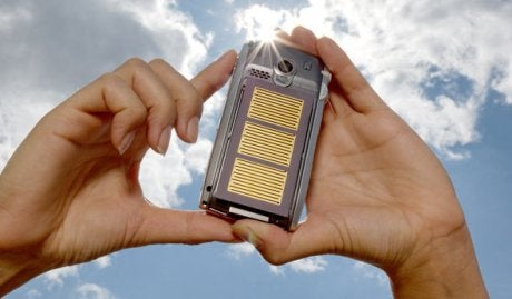 Motorola Turns to the Sun to Power its Future Cellphones