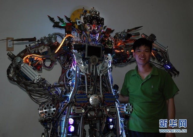 Chinese Dude Made a Robot Roommate