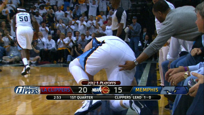 A Grizzlies Fan Put His Fingers Where They Don't Belong On Marc Gasol