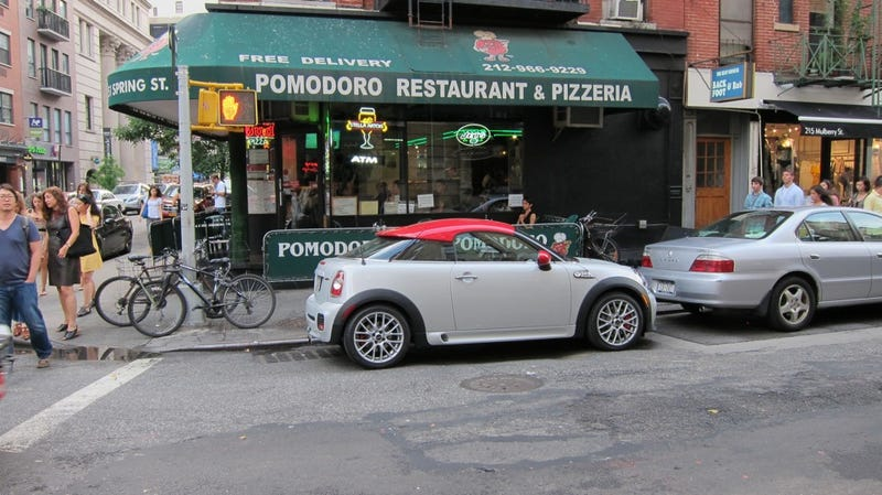 Mini Cooper Coupe JCW gets a crappy slice of pizza in SoHo