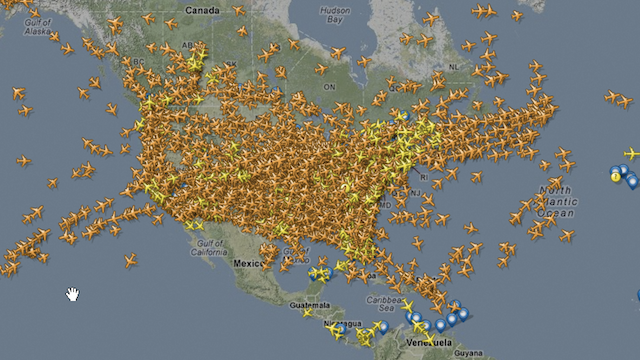This Insane Image Shows How Many Planes Are in the Air Right Now for Thanksgiving