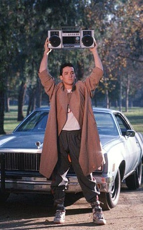 Peter Gabriel's Performance of 'In Your Eyes' Interrupted by John Cusack Holding a Boombox