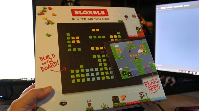 Bloxels Lets You Make Video Games With Colorful Plastic Cubes