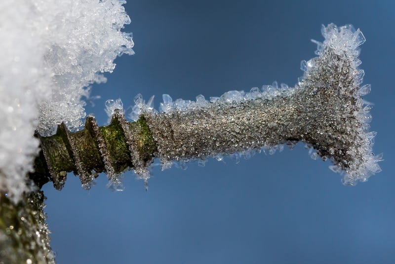 27 Bone-Chilling Photos Of Winter