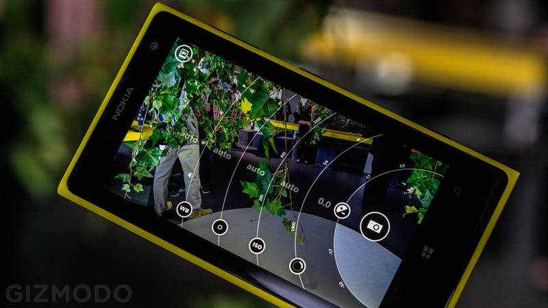 Nokia's Pro Camera App Is Headed to the Lumia 920, 925, and 928 Too