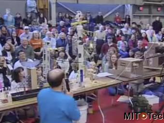 Video of Gigantic Goldberg Machine Runs for More Than 20 Minutes