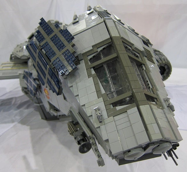 Seven-foot long minifig-scale Serenity model is a Lego masterpiece [Updated]