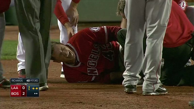 Garrett Richards Collapses At First Base With Apparent Leg Injury
