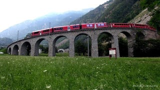 Trains in Switzerland Roll Through the Best Scenery