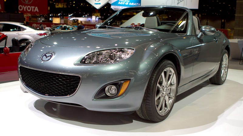 Mazda MX-5 Special Edition smilingly rolls into Chicago