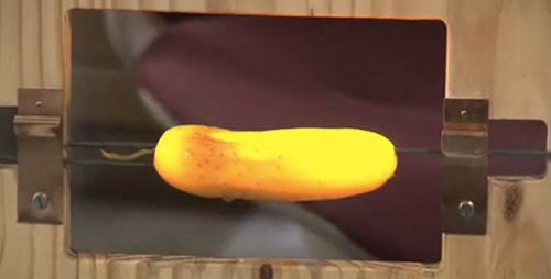 MIT Scientist Explains OLEDs by Electrocuting a Pickle