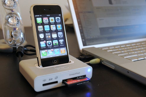 Lightning Review: Griffin Simplifi iPod-iPhone Dock/Card Reader/USB Hub