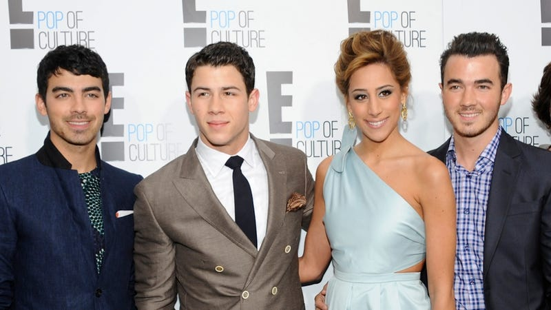 E! Tries to Get Classy With a New Logo and a Show About a Jonas Brother