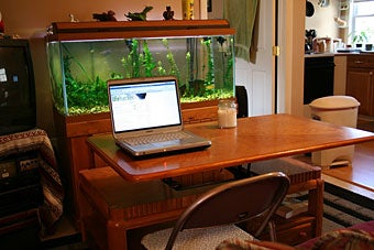 Lifehacker's Coolest Workspace Contest - Win $500 at Amazon!