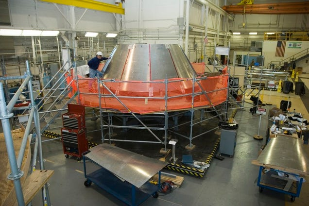 Orion Crew Test Module Timelapse Build