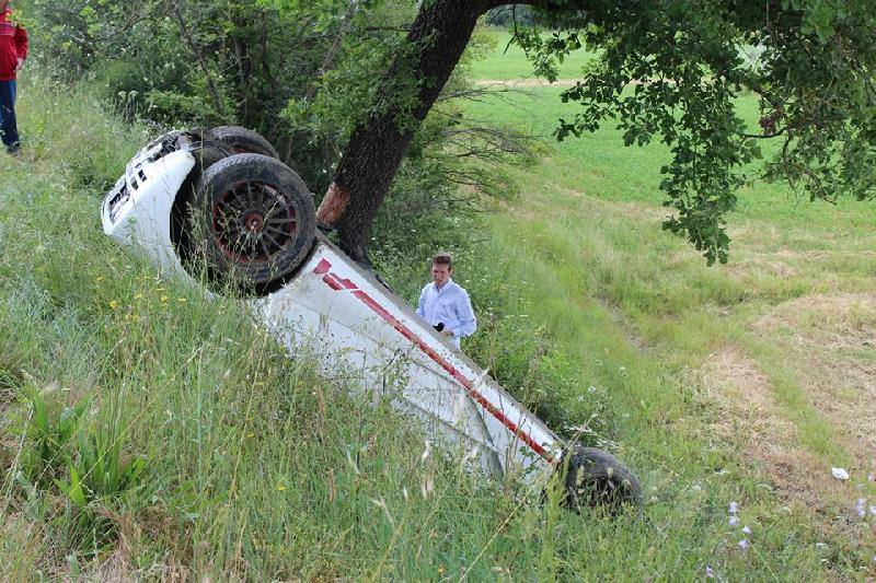 Holy Crap Someone Just Flipped This Gorgeous McLaren F1 In Italy