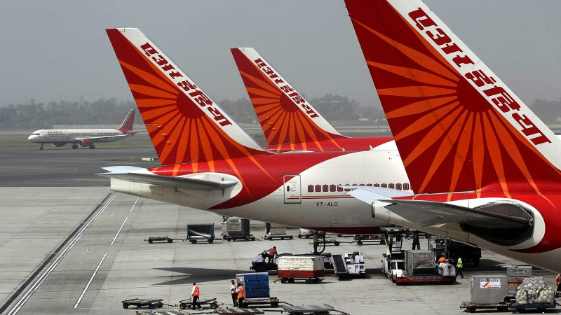 Indian Pilots Give Stewardesses Control Of Plane To Take A Nap