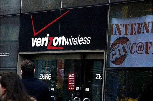 Verizon Offering Unlimited Voice, Text and Data Plans as of Tomorrow