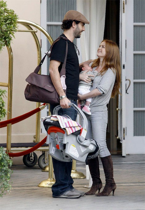 Isla Fisher, Sasha Baron Cohen Give Thanks For Baby Olive