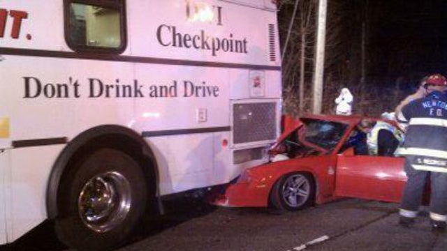 Drunk man crashes Camaro into Mobile DUI checkpoint