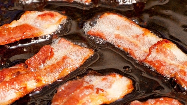 Give Your Cast Iron Skillet a Delicious Seasoning with Bacon Grease