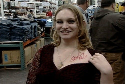 Sarah Palin Enters Next Level of Stardom by Signing Woman's Chest