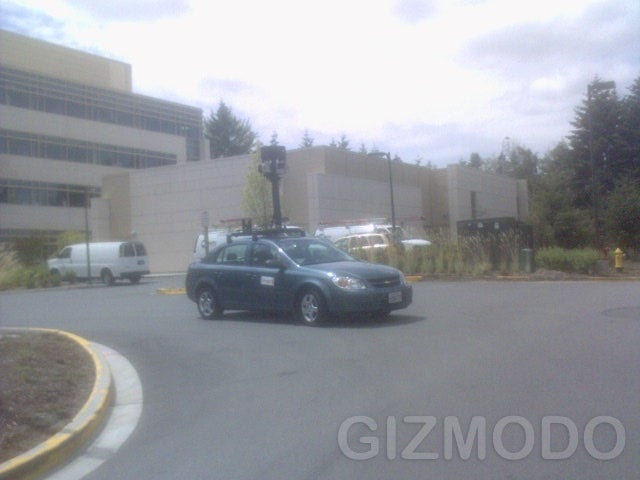 Google Street View Car Drives Into Microsoft Campus, Gets Laughed At By Windows Live Maps