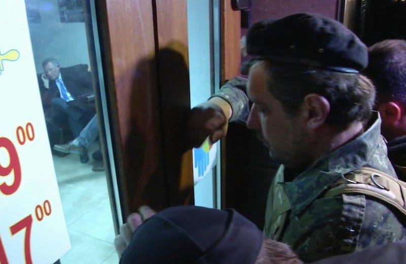 Armed Men Force U.N. Envoy to Leave Crimea